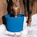 This bucket is great for horses, calves, cattle, ostriches, sheep, large dogs and more. It has a capacity of 16 gallons (64 quarts), with a built-in thermostat and will keep water ice-free during below zero conditions.
