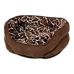 Perfect for furry friends that love to curl and cuddle up for a heavenly snooze. Features a soft, soothing fabric.